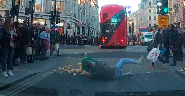 Las prisas nunca son buenas: PATATAS por la calzada en Londres
