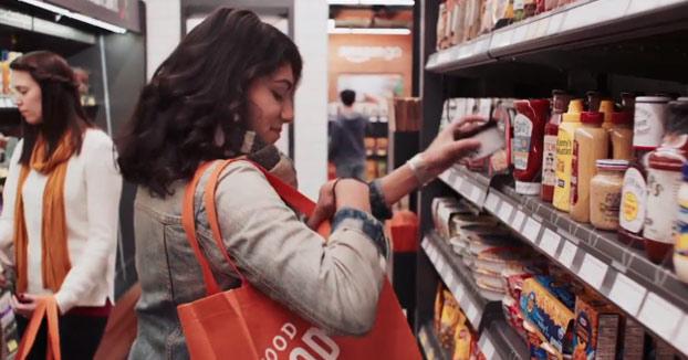 Amazon abre el primer supermercado físico sin colas y sin cajas para pagar. Así es como funciona (Vídeo)