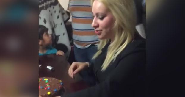 Cuando se te va de las manos la broma del pastel