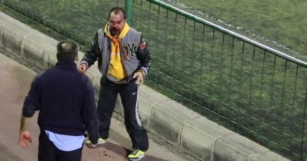 Vergonzoso: Salvaje pelea entre dos padres en el partido de sus hijos en Canarias (Vídeo)