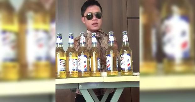 Se bebe 6 cervezas de golpe