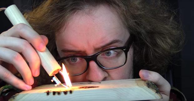 Pirografía: Dibujando en la madera con un lápiz a 530 grados (Vídeo)