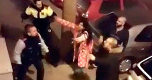 Seis mossos heridos en una pelea con 50 gitanos en L'Hospitalet de Llobregat (Vídeo)