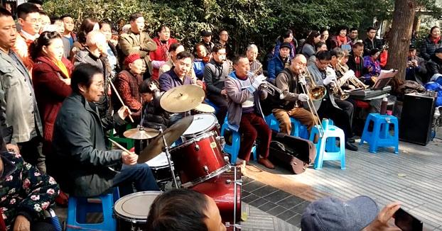 Cuando los jubilados chinos toman el parque