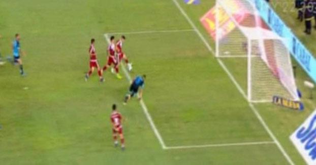Increíble gol fallado del River Plate en una jugada de 4 jugadores vs el portero