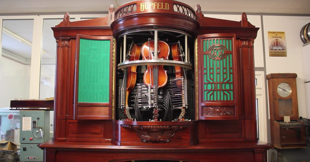 Así de maravilloso suena un violín automático de principios del siglo pasado