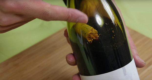 Cómo sacar el corcho de una botella de vino sin romperla