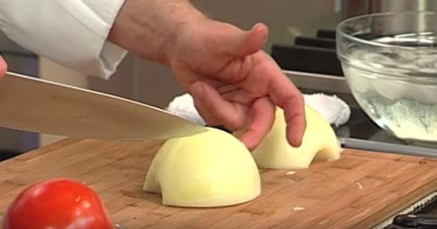 Cómo cortar de forma perfecta una cebolla
