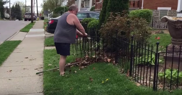 Cuando estás con las tareas del jardín y recuerdas tu época de malabarista