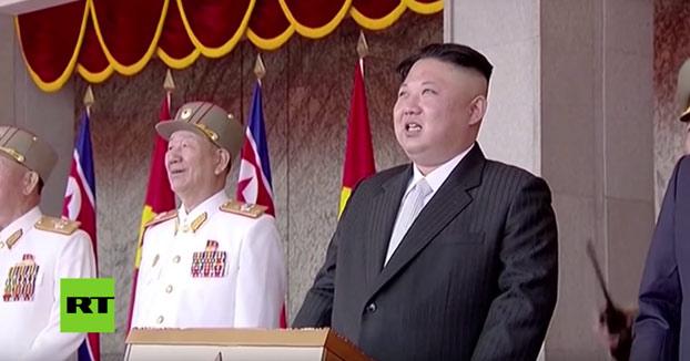 Así son los misiles para submarinos y otras armas que Corea del Norte presentó al mundo