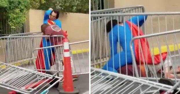 Superman llega a los puños con un mendigo