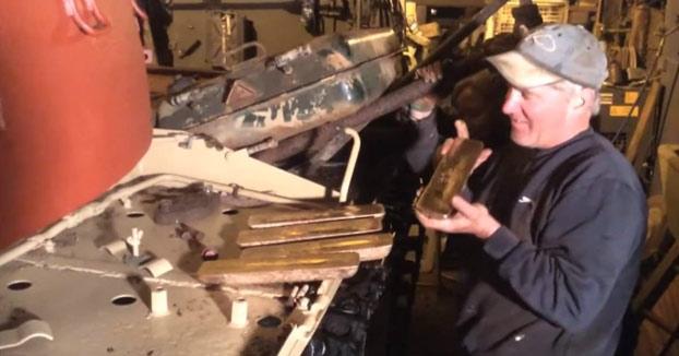 Compra un tanque en eBay y se encuentra 2,3 millones de euros en lingotes de oro