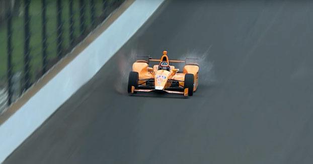Alonso desintegra a dos pájaros con su monoplaza a 350 km/h