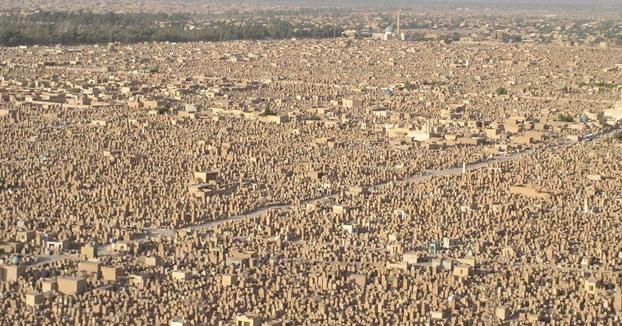 Impresionante: El cementerio más grande del mundo desde el aire: Más de 5 millones de personas enterradas