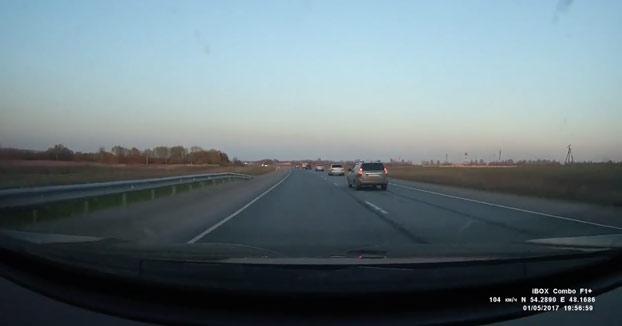 Doble accidente mortal de moto durante un pique en una carretera de doble sentido