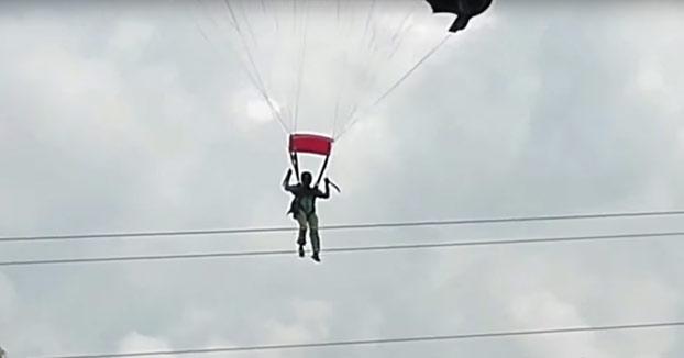 Paracaidista choca contra unos cables de alta tensión