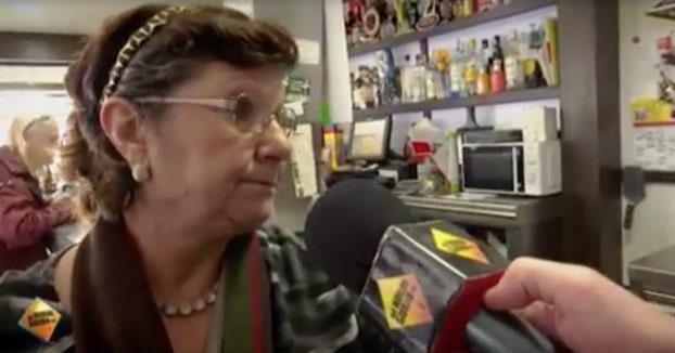 La política se hace en los bares: Conversación entre dos señoras mayores