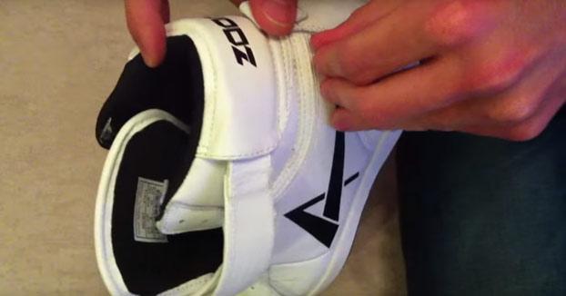 Se compra unas zapatillas en China por 18 euros y cuando le llegan a casa descubre esta sorpresa
