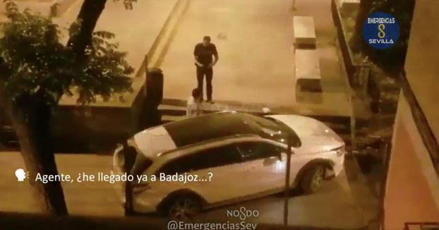 Detienen en Sevilla a un conductor borracho que preguntó a un agente si había llegado a Badajoz (Vídeo)