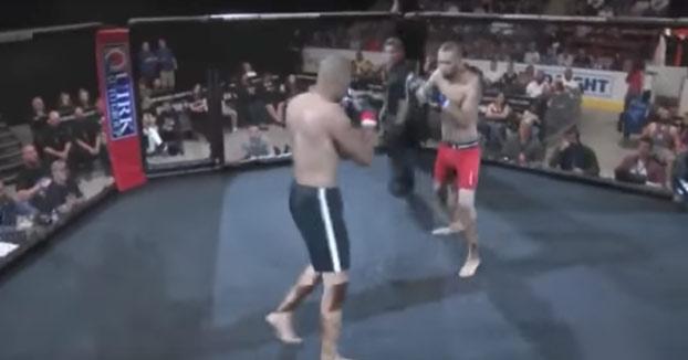 Empieza el combate y en 4 segundos deja KO a su adversario
