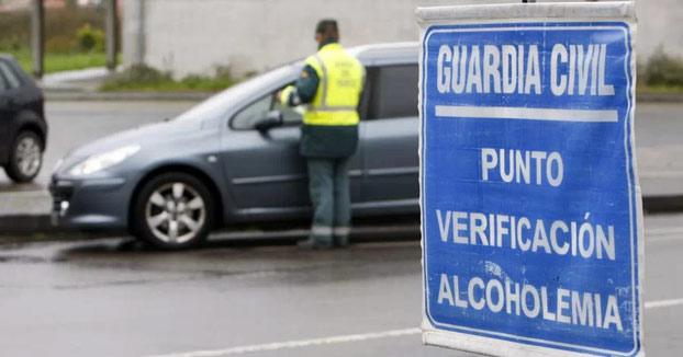 Cárcel para un motorista ebrio que enseñó sus genitales a un policía y le dijo: ''Sople''