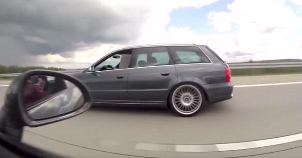 El conductor de un Porsche 911 se pica con un Audi RS4 y sale trasquilado