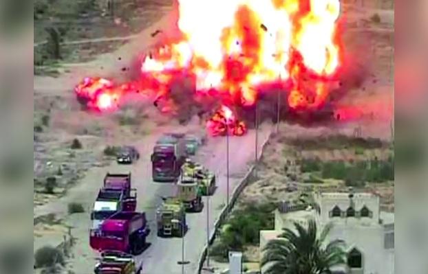 tanque aplasta coche terrorista bomba egipto