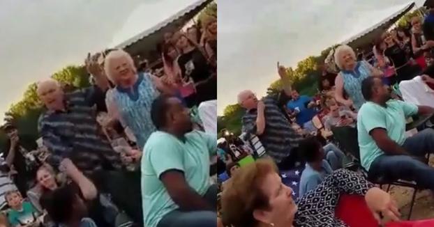 Estos abuelos se convierten en las estrellas del festival