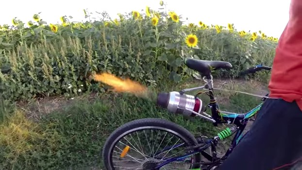 bicicleta motor turborreactor
