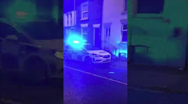 coche policia Gillingham derrape