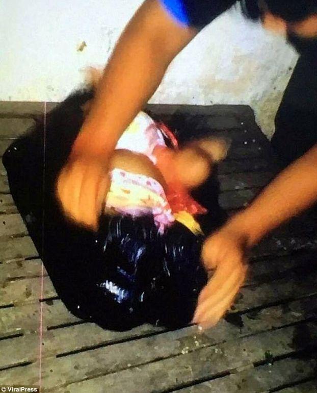 mujer secuestra bebe camboya