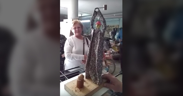 Una mujer murciana inventa el partidor de nueces automático. ¡¡Ponme 10!!