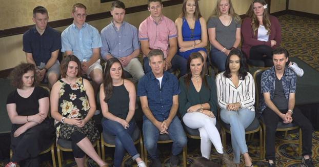 Un donante de esperma se encuentra con sus 19 hijos a la vez