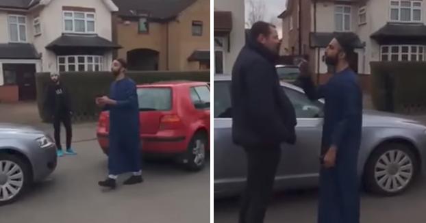 Musulmán agrede a una mujer y le dice a un hombre ''Mírate, comes cerdo y pareces un cerdo'' en un accidente de tráfico