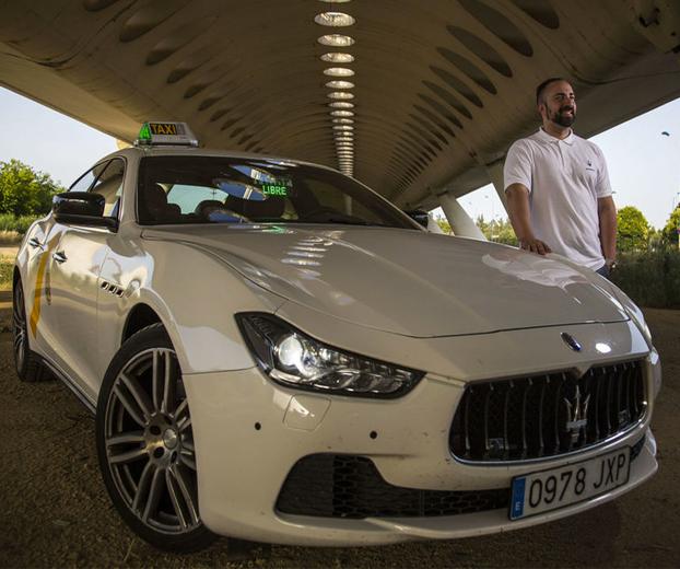 Jesús, el taxista sevillano del Maserati de casi 300 CV