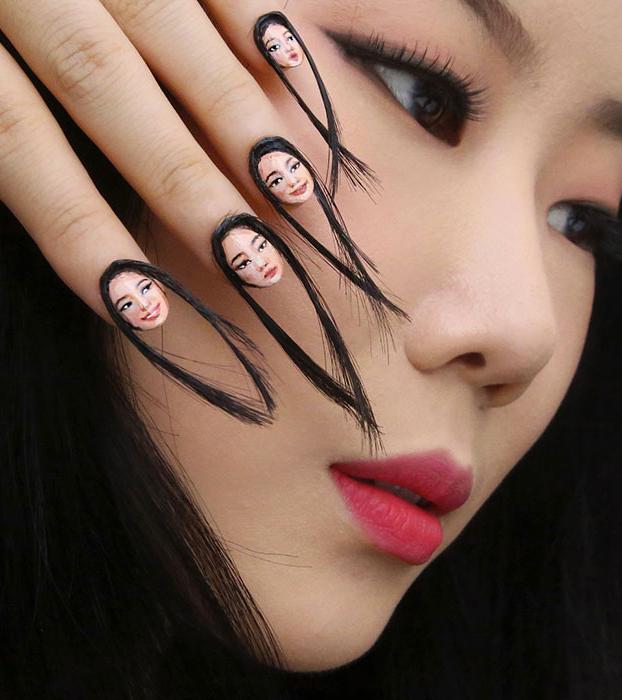 Ya existen las uñas postizas selfie con pelo y todo