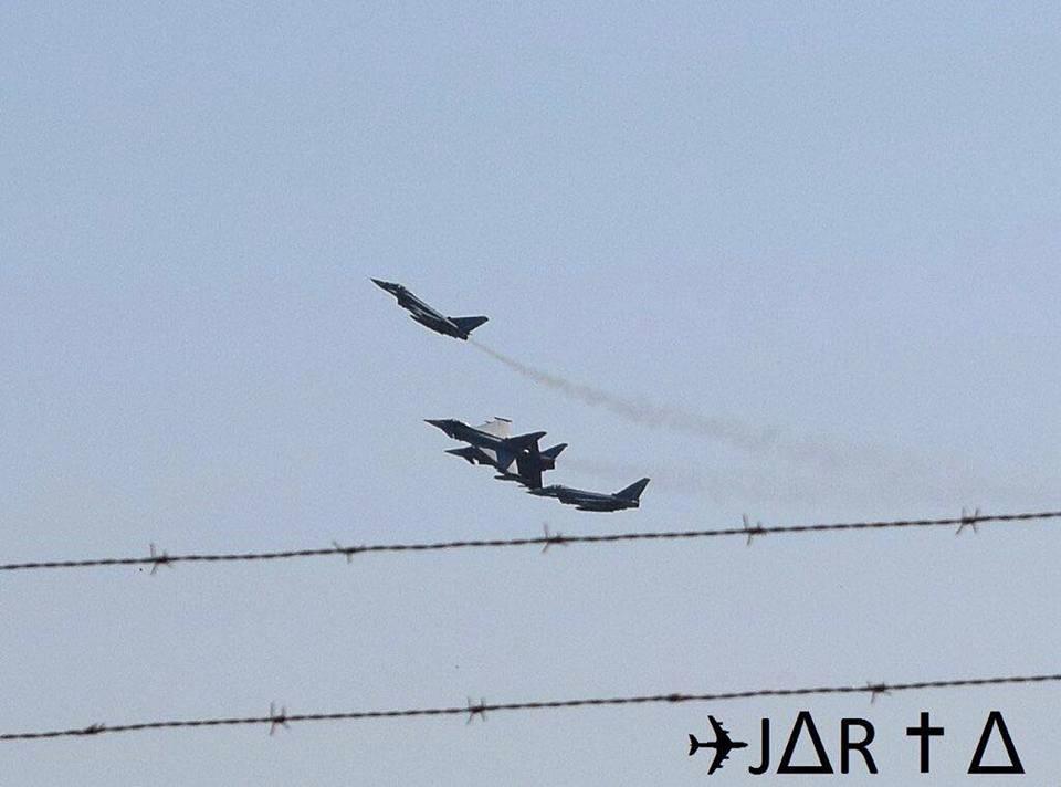 Fotos que muestran la secuencia del accidente del Eurofighter en Albacete