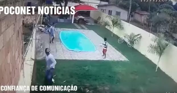 Entró a robar a una casa, le dispararon, cayó a la piscina y murió ahogado
