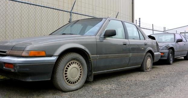 Un hombre olvida dónde aparcó su coche y lo encuentra 20 años después