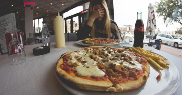Vivir en pareja engorda más que comer en casa de tu madre