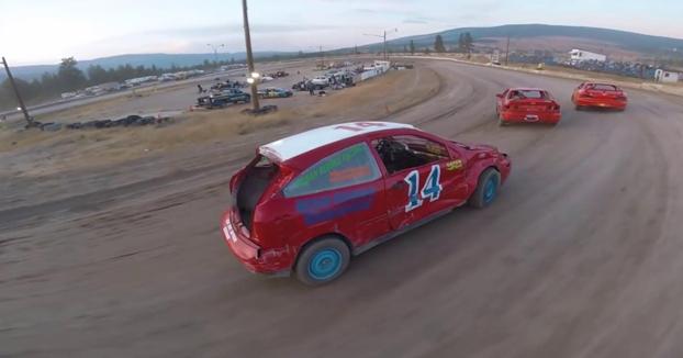 Carrera de coches grabada con un drone