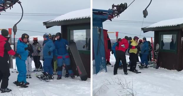 Cuando tú y tus amigos vais a hacer snowboard por primera vez