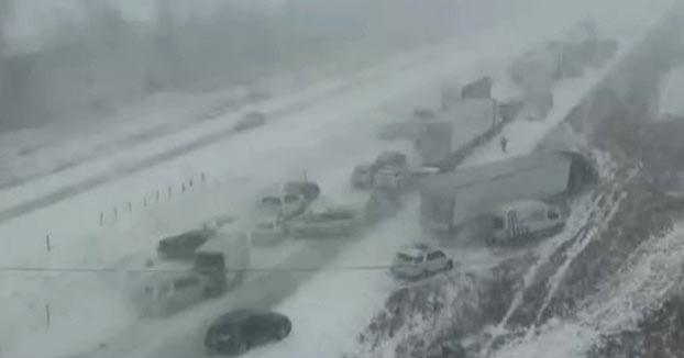 Unos 70 vehículos sufren un accidente en cadena en una carretera estadounidense