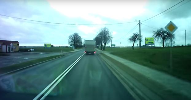 Esto es lo que pasa cuando te crees el más listo de la carretera