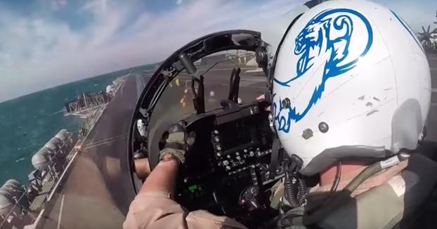 Despegue desde un portaaviones en primera persona