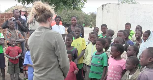 La reacción de estos niños africanos al escuchar por primera vez el sonido de un violín