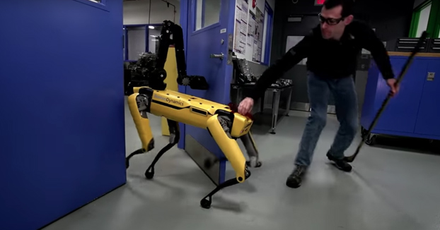 Poniendo a prueba la robustez del SpotMini de Boston Dynamics