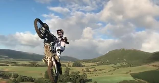 Tremendo salto de Tyler Bereman en plena exhibición