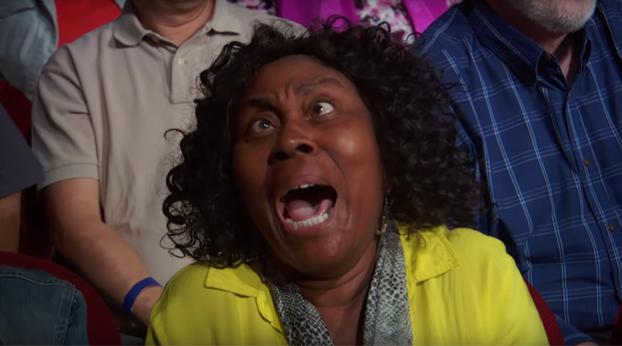 Troy James hizo chillar a todo el público cuando se transformó en una araña humana