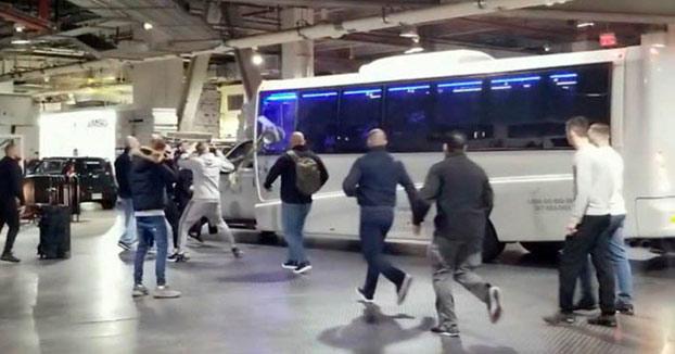 Conor McGregor ataca un autobús y acaba en comisaría antes de perder el cinturón de campeón [Vídeos]